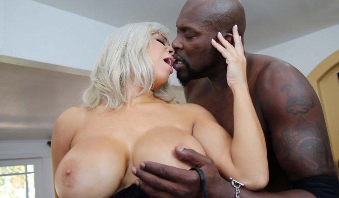 Alyssa Lynn Interracial Porn Video
