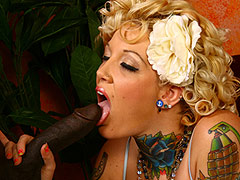 Beautiful Candy Monroe gets the jizz on her tattoo