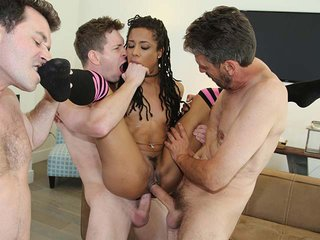 Kira Noir interracial porn