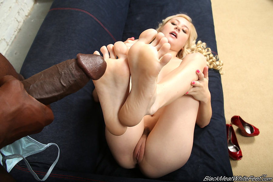 odette escort foot fetish